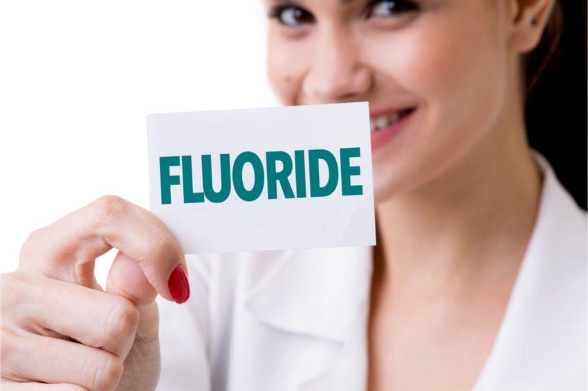 fluoride varnish side effects